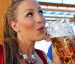 Biermeisje van de maand september