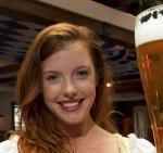 Het biermeisje van de maand november