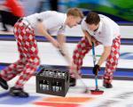 Curling met kratten bier