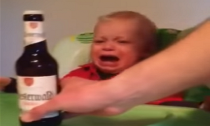 Kind waardeert biertje