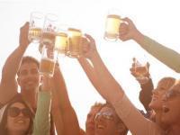 Proosten met bier
