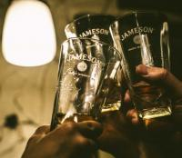 Jameson glazen