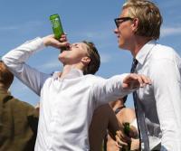 Student drinkt Heineken