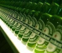 Heineken bier op de plank