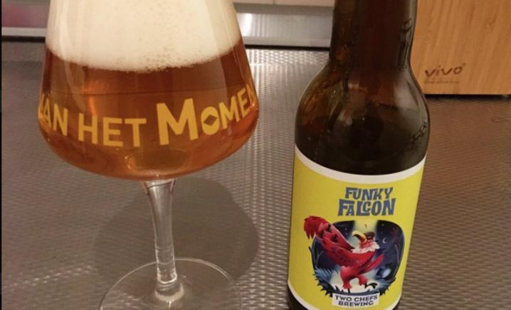 two chefs brewing funcky falcon in glas
