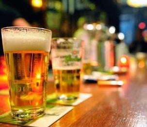 Biertje in de kroeg
