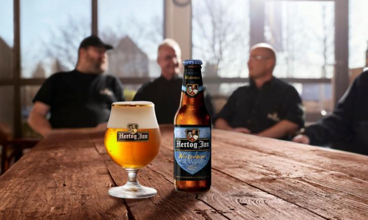 https://www.biernet.nl/images/blog/51333-Hertog%20Jan%20Winterbier%20flesje%20en%20glas.jpg