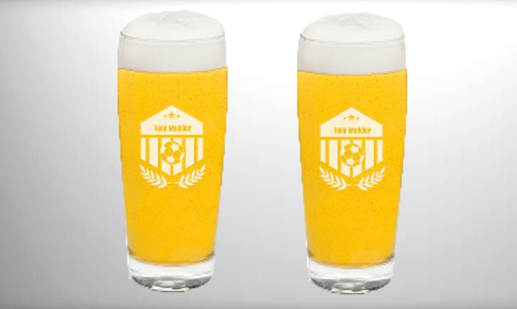 Bierglas met voetballogo en gravure